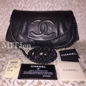 💯 Authentic Chanel Half Moon Wallet On Chain WOC